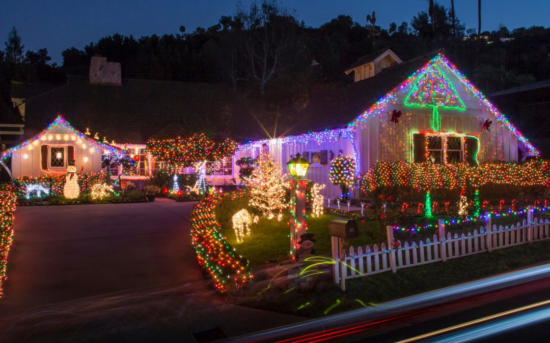 Seasonal Work such as Holiday Lighting for the Holidays: Fun, Exciting and Rewarding